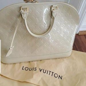 Louis Vuitton Vernis alma gm xl🥰🥰🥰